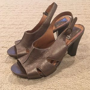 Clarks Artisan leather heeled sandals bronze 6.5